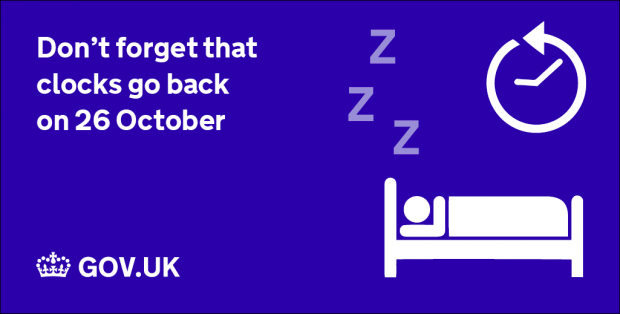 Graphic reminding users of the changing of the clocks
